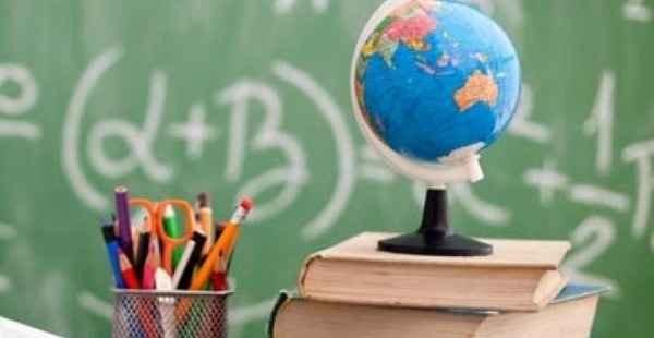 Proposta prevê isenção do Imposto de Renda a professores