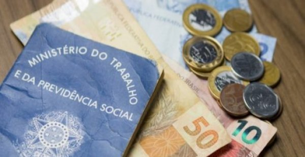 Salário mínimo proposto para o próximo ano será de R$ 1.040