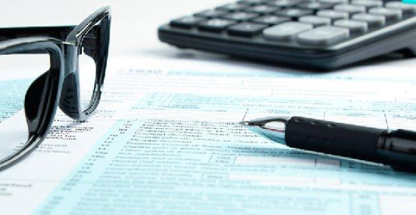 Reforma tributária começa neste ano com fusão de impostos, diz Guedes