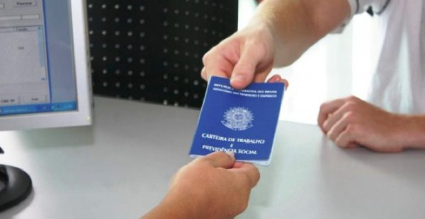 Brasil gerou 129,6 mil novos postos de trabalho em abril