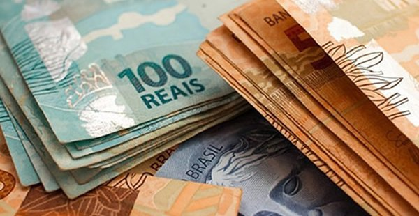 Governo deve cortar investimentos para reajustar salário mínimo