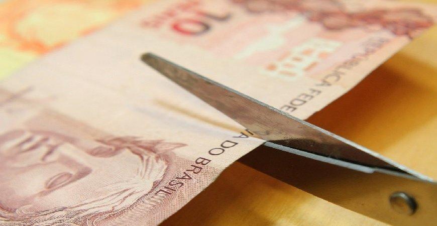 MP que reduz jornadas e salários segue para a sanção presidencial