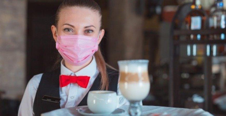 Abertura de bares e restaurantes exige atenção e cuidados redobrados, alerta especialista