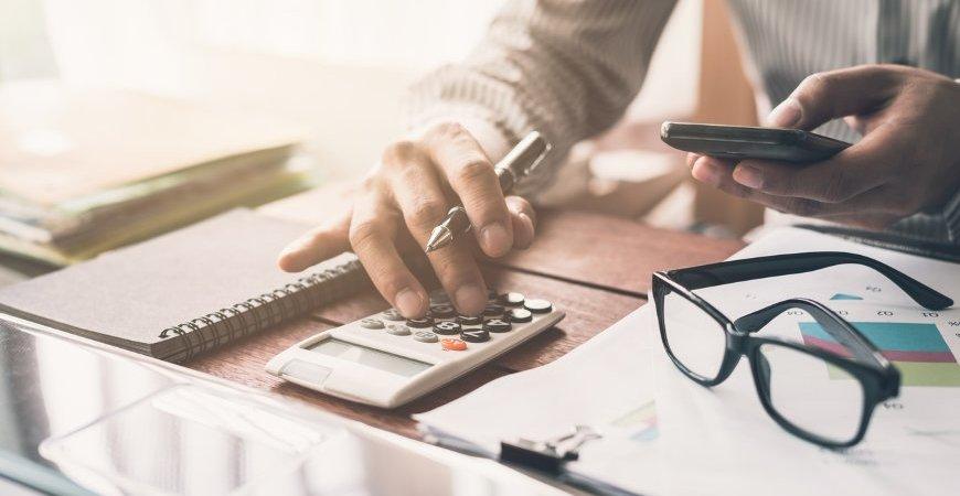 Taxa Selic cai para 2% ao ano; Entenda os impactos