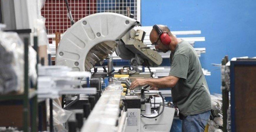 Confiança do empresário industrial recua em janeiro