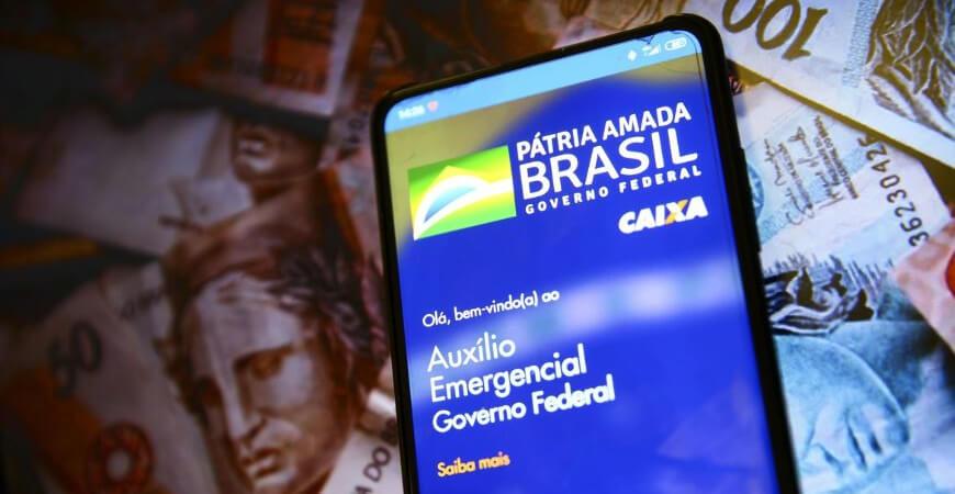 Auxílio Emergencial: Bolsonaro confirma que nova rodada terá quatro parcelas de R$ 250 e começará em março