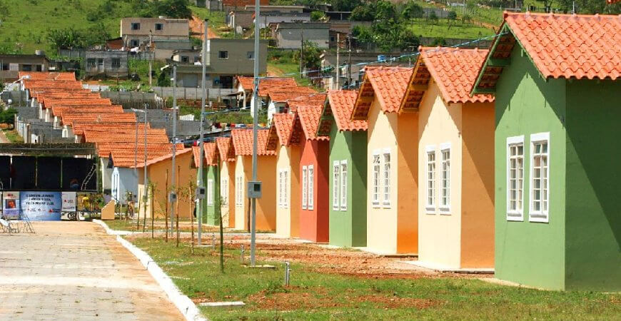 Casa Verde e Amarela: custos de material de construção aumentam e lançamentos são suspensos
