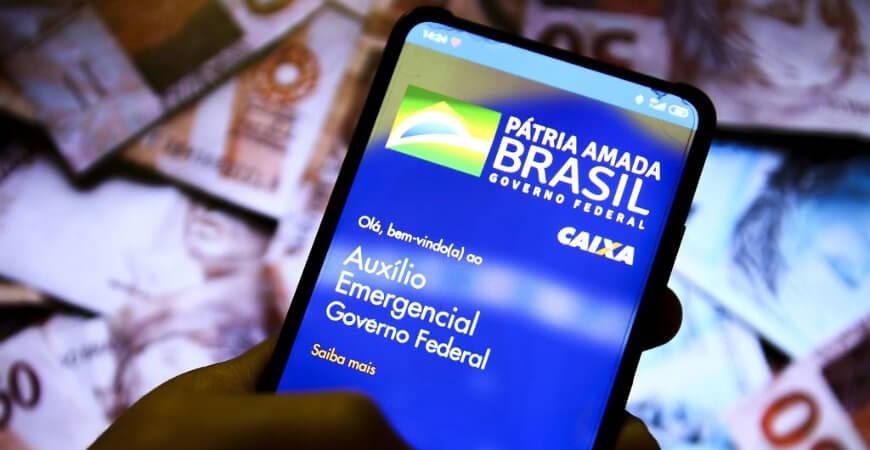 Auxílio emergencial 2021: nascidos em julho podem sacar 1ª parcela nesta segunda